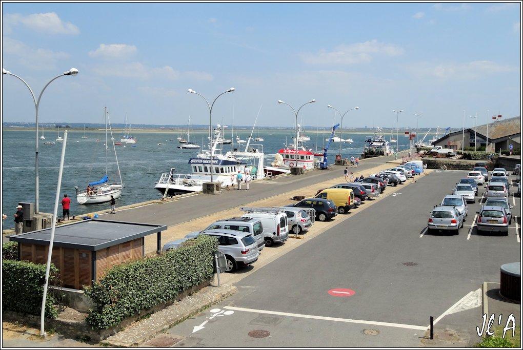 [Activité hors Marine des ports] LE CROISIC Port, Traict, Côte Sauvage... - Page 5 P70-45%20quai%20des%20chalutiers%20S20V03776