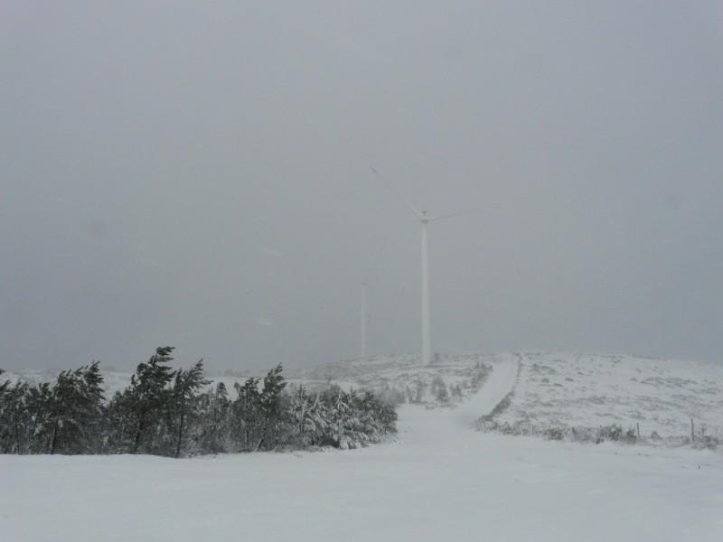 (Portugal) Construction du parc éolien du Sabugal - Page 4 P1120320.JPG