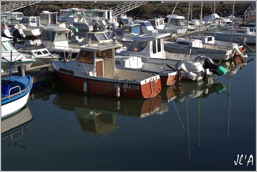 [Activité hors Marine des ports] LE CROISIC Port, Traict, Côte Sauvage... - Page 6 R17-08-05%20port%20de%20plaisance%20reflets%20A00388