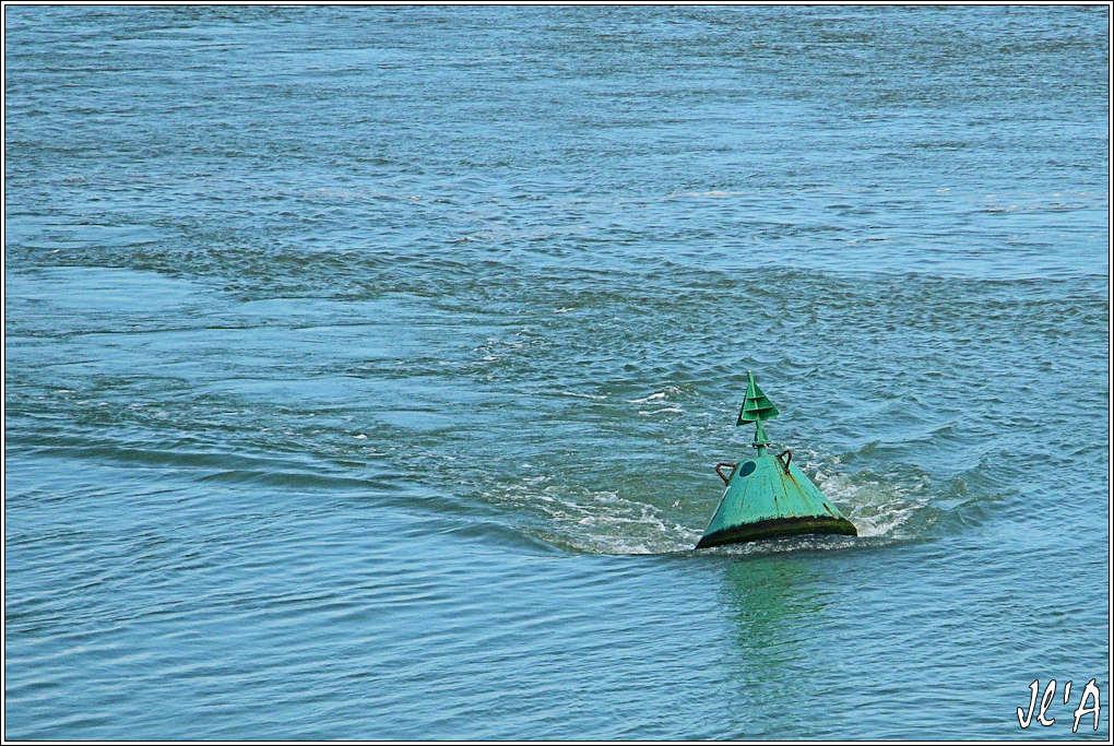 [Activité hors Marine des ports] LE CROISIC Port, Traict, Côte Sauvage... - Page 4 I22%20Bou%C3%A9e%20Olifant%20dans%20le%20courant%20G60012059