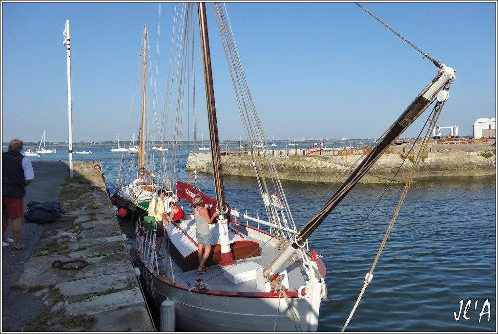 [Activité hors Marine des ports] LE CROISIC Port, Traict, Côte Sauvage... - Page 5 Q44-49%20arriv%C3%A9e%20de%20Kurun%20S20V03994