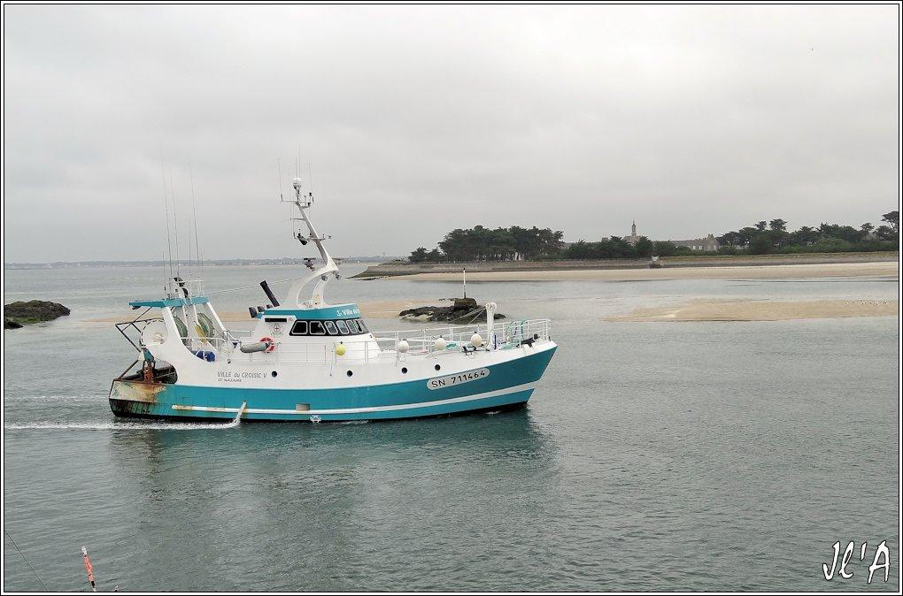 [Activité hors Marine des ports] LE CROISIC Port, Traict, Côte Sauvage... - Page 5 P38-02%20Ville%20du%20Croisic%20V%20devant%20Pen%20Bron%20S20V03689