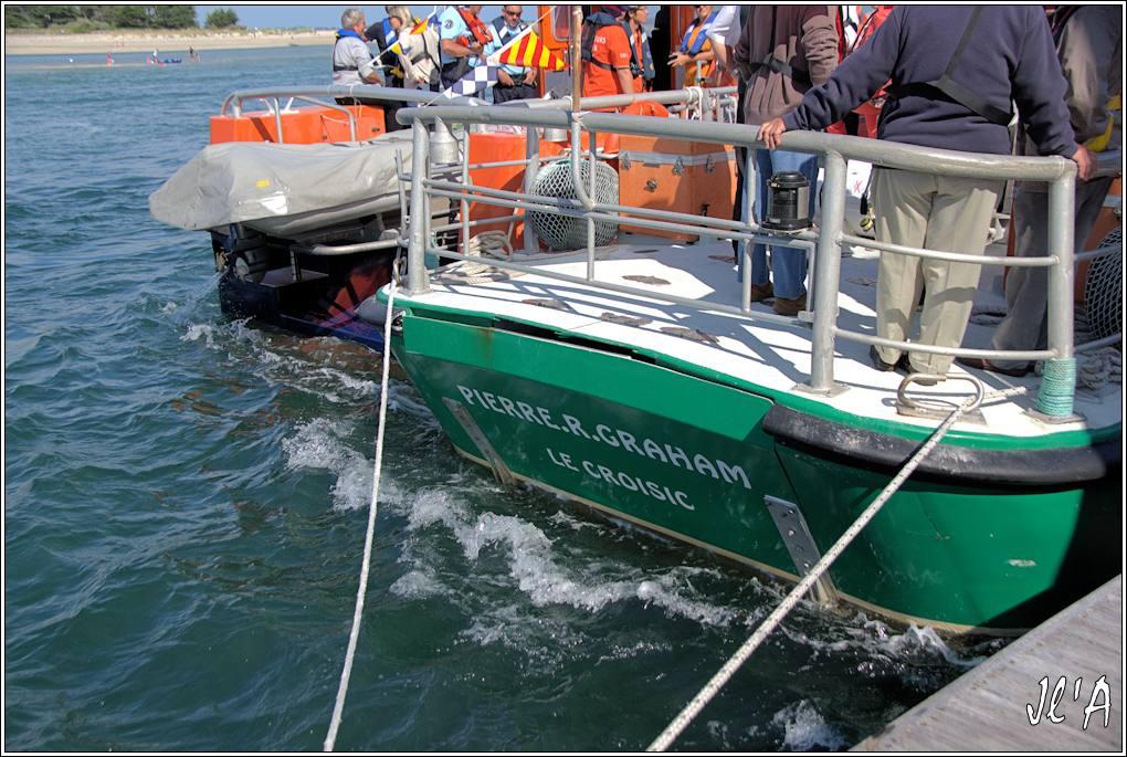 [Activité hors Marine des ports] LE CROISIC Port, Traict, Côte Sauvage... - Page 7 Sb60%2015-97%20le%20flot%20fort%20et%20poupe%20Canots%20SNSM%20Le%20Croisic%20_A%2005826