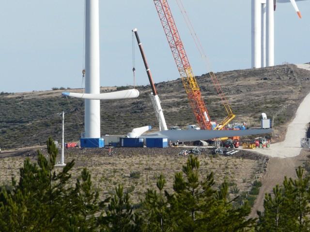 (Portugal) Construction du parc éolien d'Aldeia Velha - Page 2 P1130584.JPG