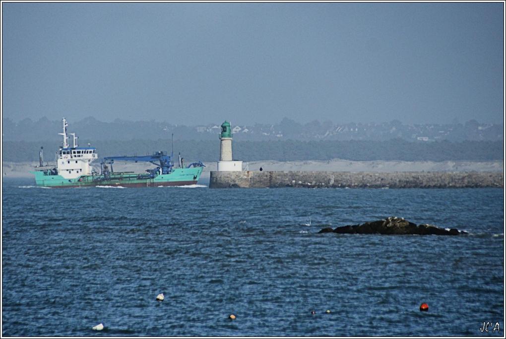[Activité hors Marine des ports] LE CROISIC Port, Traict, Côte Sauvage... - Page 2 B55-A24475%20Fort%20Boyard%20et%20la%20jet%C3%A9e%20%C3%A015h22