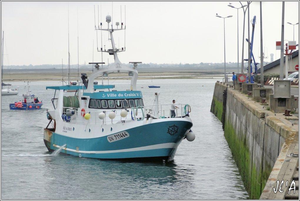 [Activité hors Marine des ports] LE CROISIC Port, Traict, Côte Sauvage... - Page 5 P43-10%20Nicolas%20Lauryne%20et%20accostage%20de%20Ville%20du%20Croisic%20V%20S20V03697