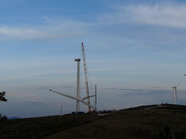 (Portugal) Construction du parc éolien d'Aldeia Velha - Page 2 P1130686.JPG