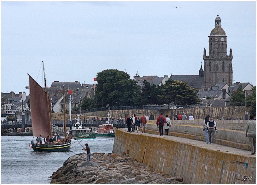 [Activité hors Marine des ports] LE CROISIC Port, Traict, Côte Sauvage... - Page 3 _A29403%20entr%C3%A9e%20de%20Belle%20de%20Vilaine%20dans%20le%20port%20du%20Croisic