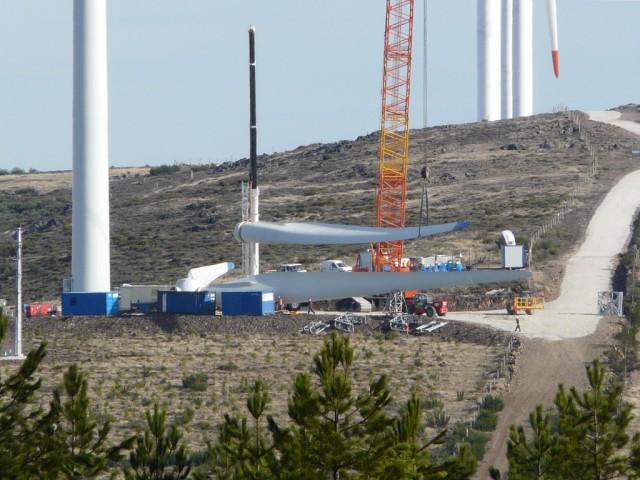 (Portugal) Construction du parc éolien d'Aldeia Velha - Page 2 P1130581.JPG