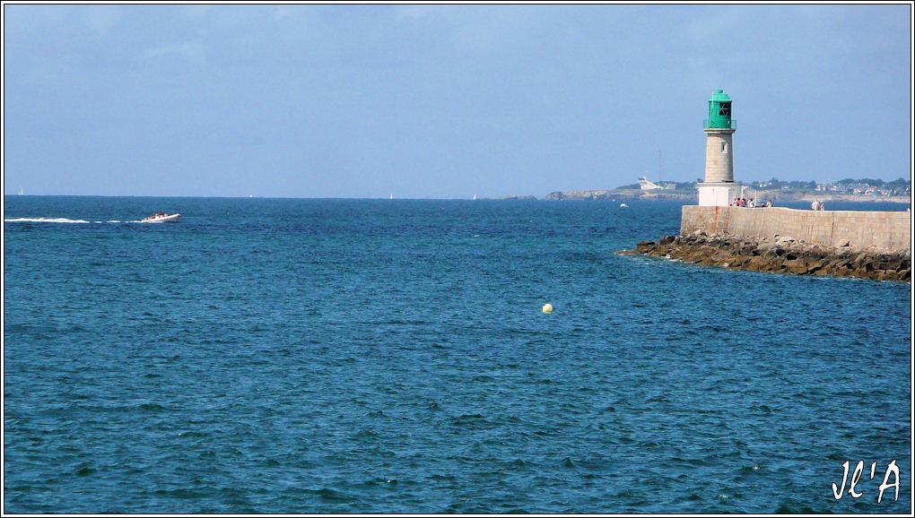 [Activité hors Marine des ports] LE CROISIC Port, Traict, Côte Sauvage... - Page 4 G11%20la%20jet%C3%A9e%20du%20Tr%C3%A9hic%20et%20la%20pointe%20de%20Castelli%20TZ313412