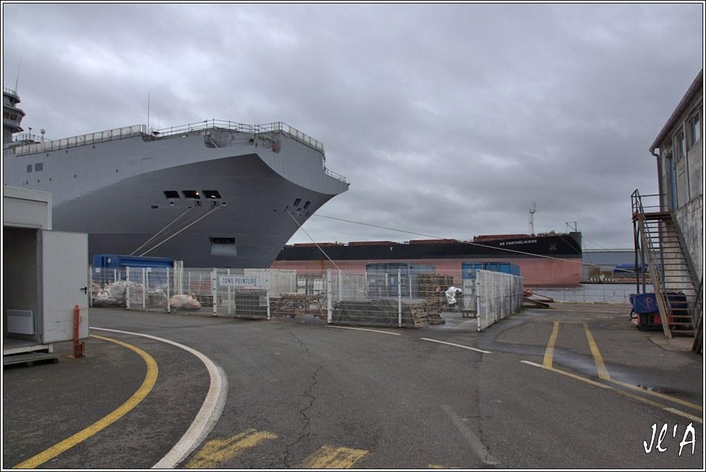 [Vie des ports] Port de Saint Nazaire - Page 2 D-30%20l%27%C3%A9trave%20du%20BPC%20Russe%20et%20AG%20Vartholoneos%20_A00998