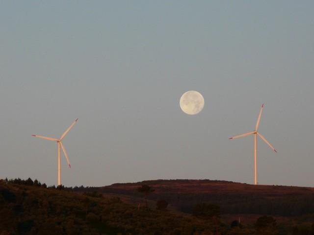 (Portugal) Construction du parc éolien du Sabugal - Page 6 090708001.JPG
