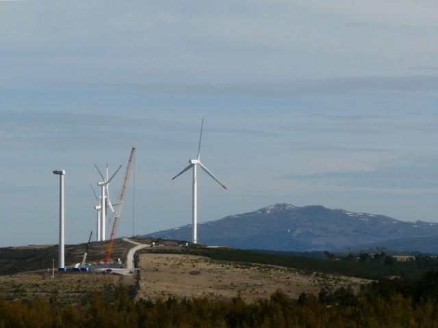 (Portugal) Construction du parc éolien d'Aldeia Velha - Page 2 P1130572.JPG