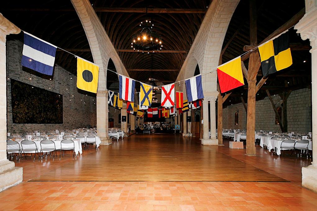 [ Associations anciens Marins ] AMMAC d'Angers et Région 02-Bal2011_004%20salle