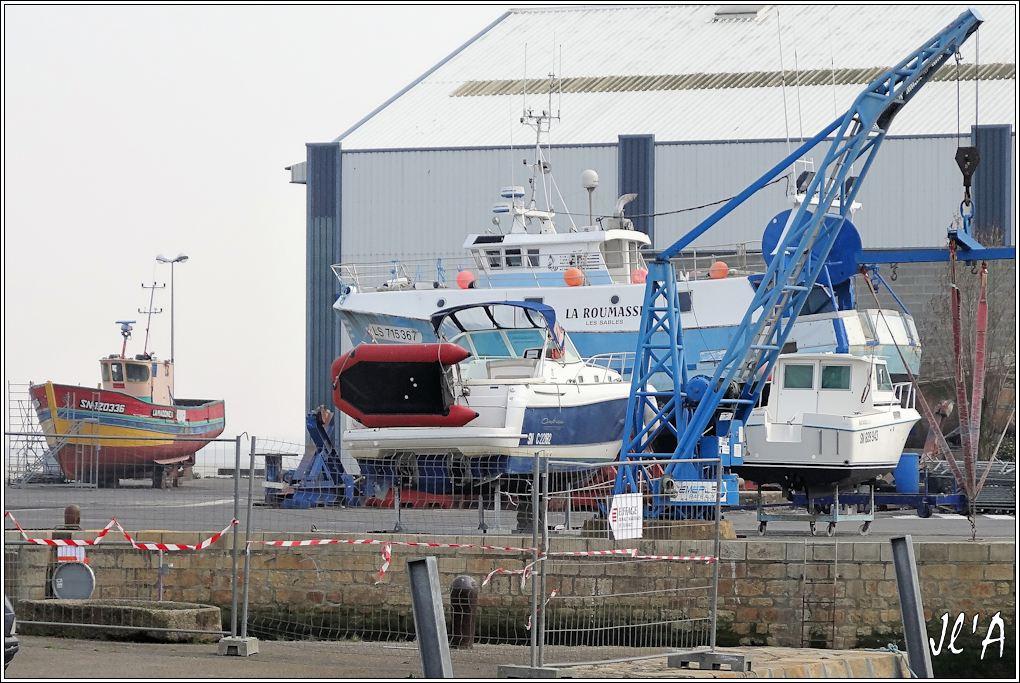 [Activité hors Marine des ports] LE CROISIC Port, Traict, Côte Sauvage... - Page 4 K09-29%20chantier%20naval%20croisicais%20La%20Madone%202%20et%20chalutier%20S20V02103