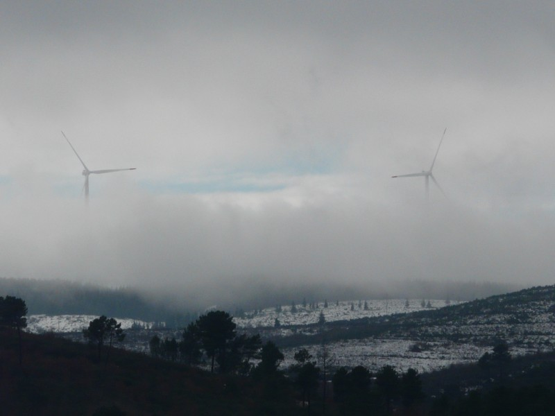 (Portugal) Construction du parc éolien du Sabugal - Page 4 P1120461.JPG