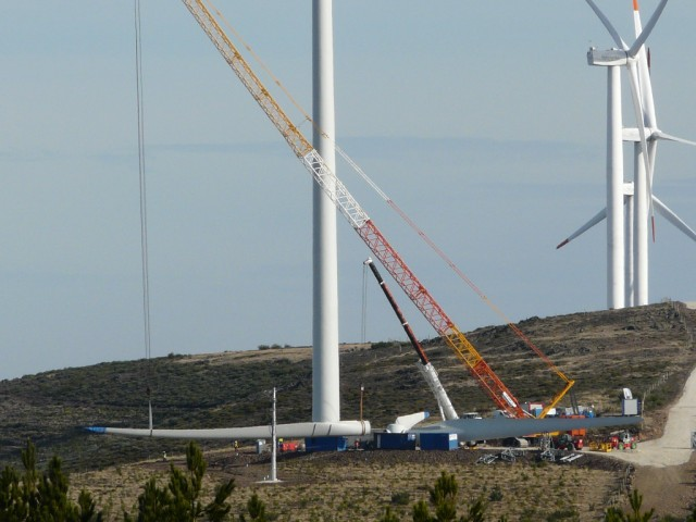 (Portugal) Construction du parc éolien d'Aldeia Velha - Page 2 P1130590.JPG