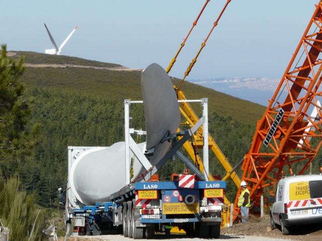 (Portugal) Construction du parc éolien d'Aldeia Velha - Page 2 P1130514.JPG