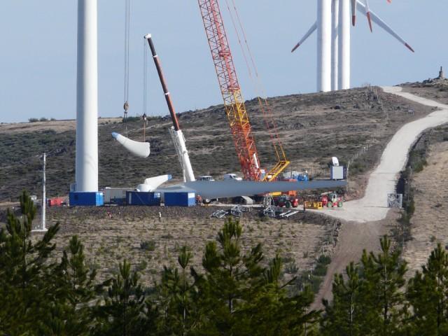 (Portugal) Construction du parc éolien d'Aldeia Velha - Page 2 P1130582.JPG