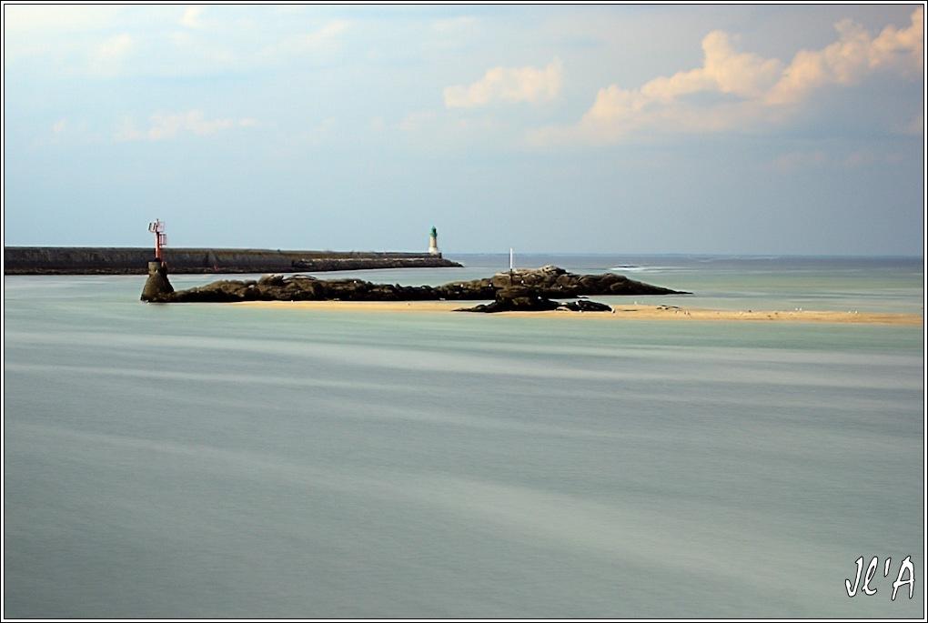 [Activité hors Marine des ports] LE CROISIC Port, Traict, Côte Sauvage... - Page 8 Sc12-16-14%20la%20jet%C3%A9e%20%20pose%20longue%2030S%20f8%20_A06685