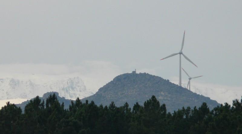 Quelques photos d'éoliennes au Portugal P1120522.JPG