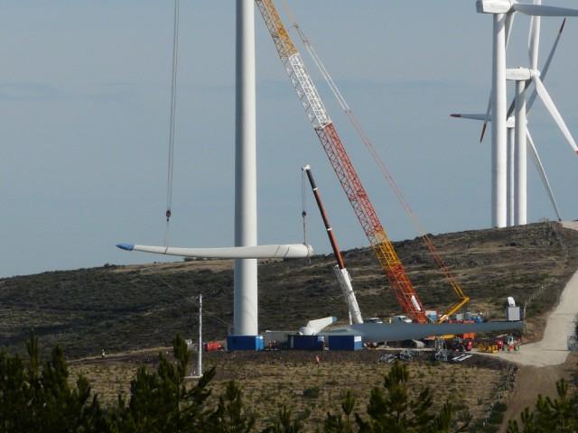 (Portugal) Construction du parc éolien d'Aldeia Velha - Page 2 P1130585.JPG