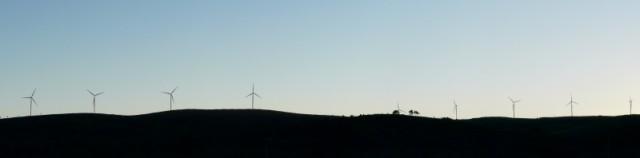 (Portugal) Construction du parc éolien du Sabugal - Page 4 7tournentbis.JPG