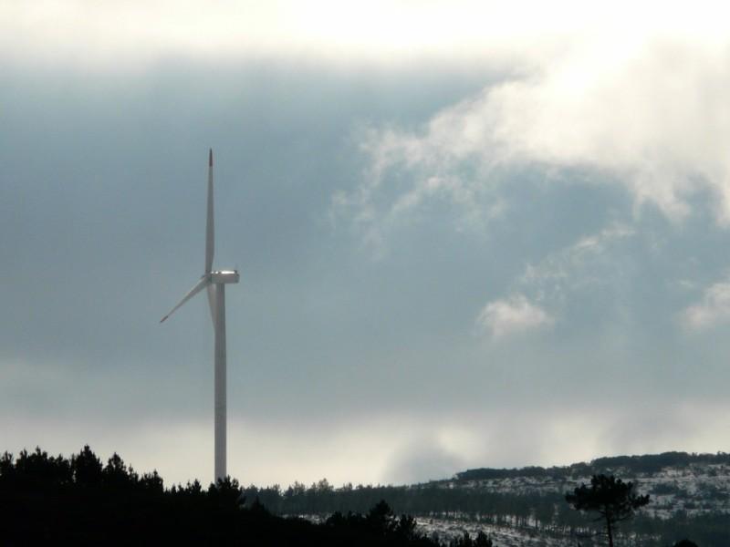 (Portugal) Construction du parc éolien du Sabugal - Page 4 P1120500.JPG