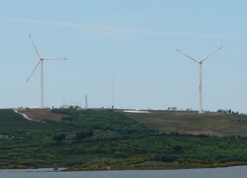 Quelques photos d'éoliennes au Portugal 0806080006.JPG