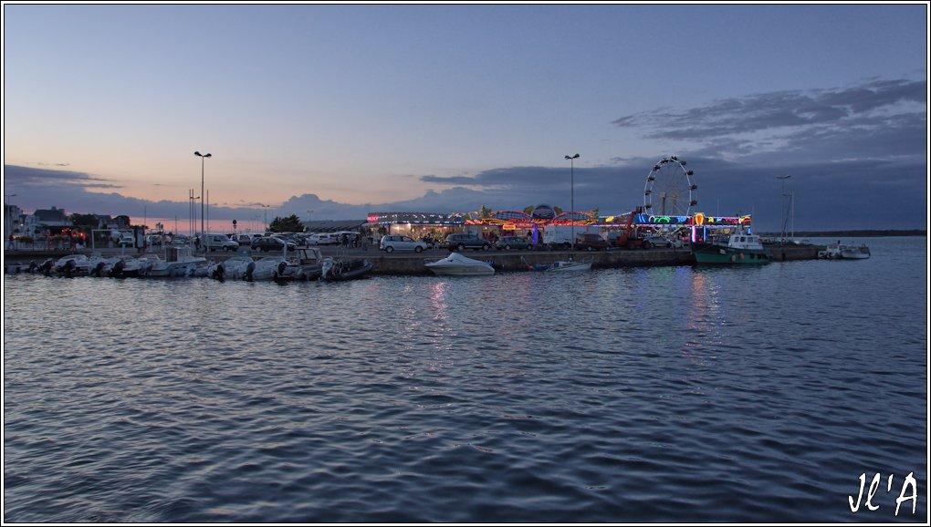 [Activité hors Marine des ports] LE CROISIC Port, Traict, Côte Sauvage... - Page 8 Sb83%2015-e5%20foire%20place%20du%208%20mai%20_A05890