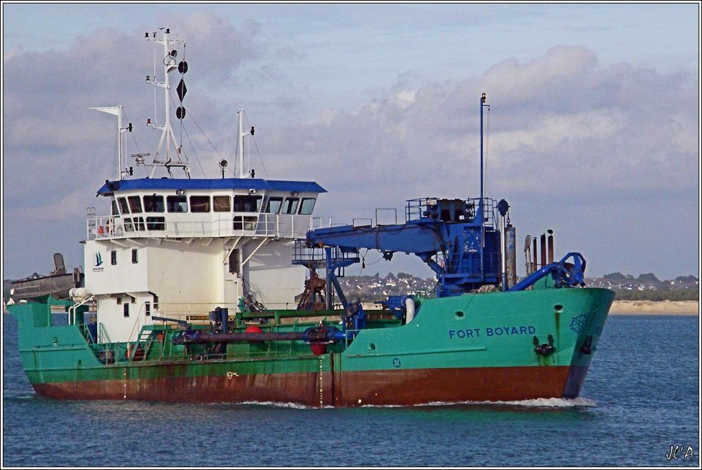 [Activité hors Marine des ports] LE CROISIC Port, Traict, Côte Sauvage... - Page 2 B07-G60013207%20retour%20de%20Fort%20Boyard