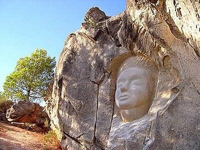 La Ruta de las Caras de Piedra (Cuenca) R-caras1