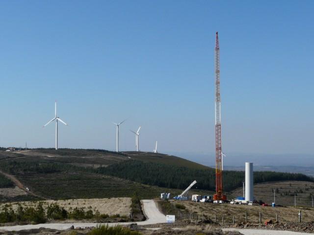 (Portugal) Construction du parc éolien d'Aldeia Velha - Page 2 P1130298.JPG