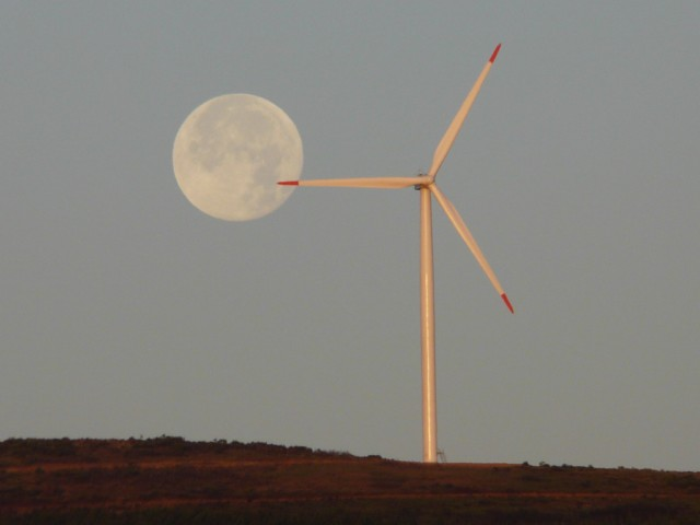 (Portugal) Construction du parc éolien du Sabugal - Page 6 090708002.JPG