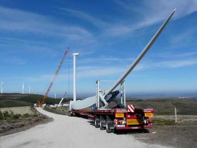(Portugal) Construction du parc éolien d'Aldeia Velha - Page 2 P1130525.JPG