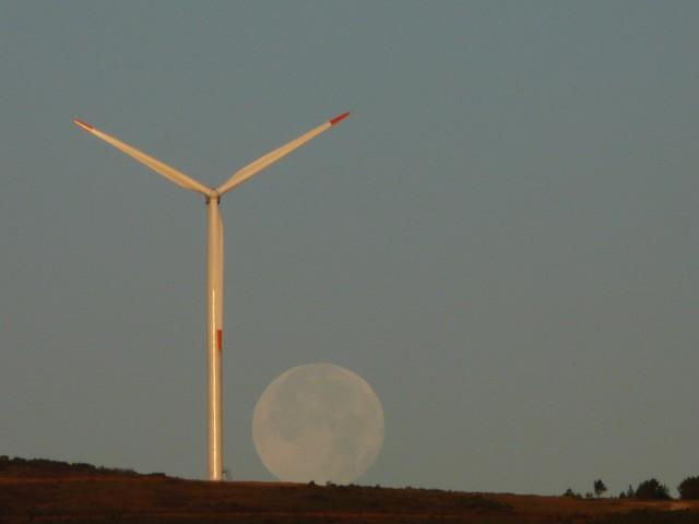 (Portugal) Construction du parc éolien du Sabugal - Page 6 090708003.JPG