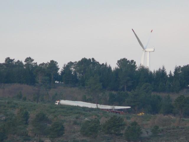 (Portugal) Construction du parc éolien d'Aldeia Velha - Page 2 P1130460.JPG