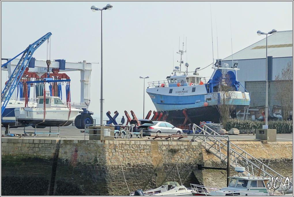 [Activité hors Marine des ports] LE CROISIC Port, Traict, Côte Sauvage... - Page 4 K07-27%20chantier%20naval%20croisicais%20chalutier%20La%20Roumasse%20des%20Sables%20S20V02086