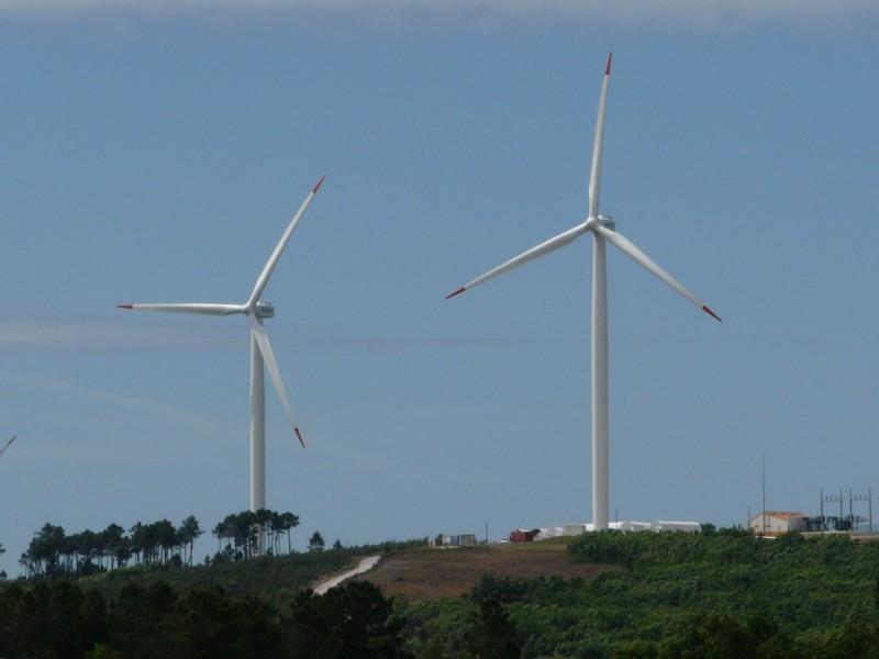Quelques photos d'éoliennes au Portugal 0806080021.JPG