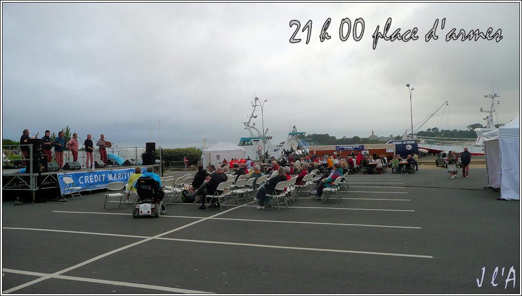 [Activité hors Marine des ports] LE CROISIC Port, Traict, Côte Sauvage... - Page 3 F38_45%2020h30%20Taillevent%20place%20d%27armes%20TZ313245