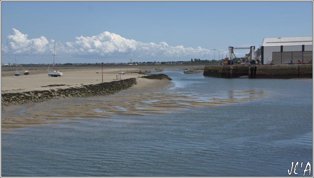[Activité hors Marine des ports] LE CROISIC Port, Traict, Côte Sauvage... - Page 7 Sb36%2015-26%20chenal%20vers%20chantier%20naval%20%C3%A0%20mar%C3%A9e%20basse%20_A%205733
