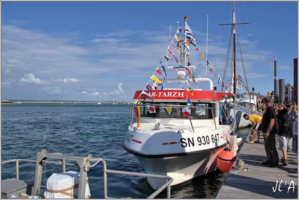 [Activité hors Marine des ports] LE CROISIC Port, Traict, Côte Sauvage... - Page 7 Sb57%2015-90%20Ar-Tarzh%20pavillons%20_A%2005819
