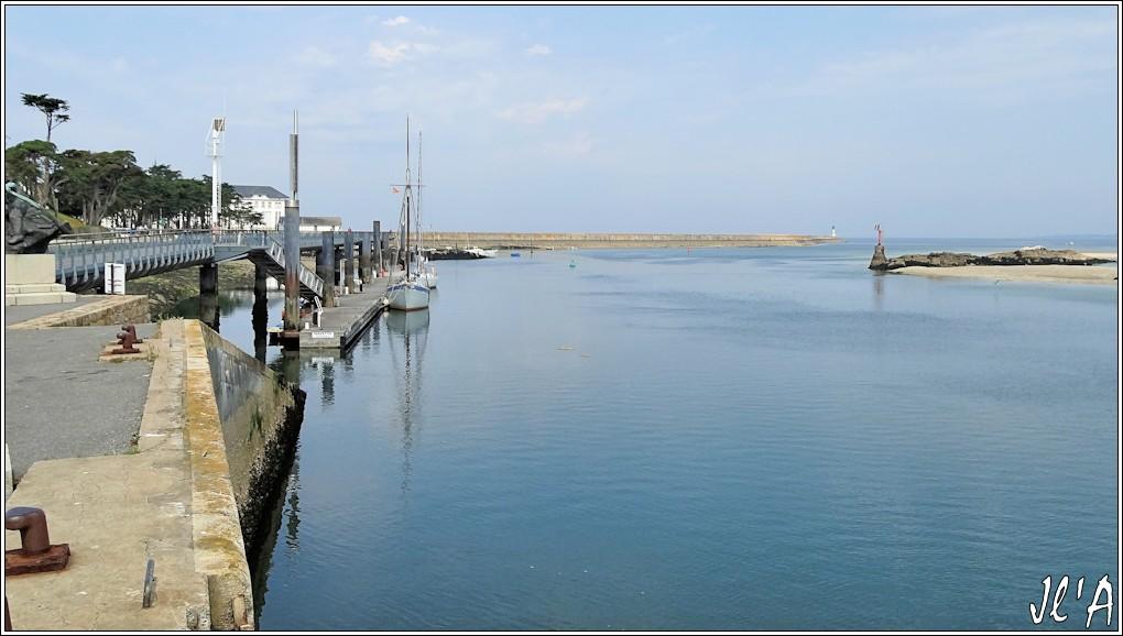 [Activité hors Marine des ports] LE CROISIC Port, Traict, Côte Sauvage... - Page 4 N-03%20Jeune%20Ariane%20%C3%A0%20l%27estacade%20S20V02532