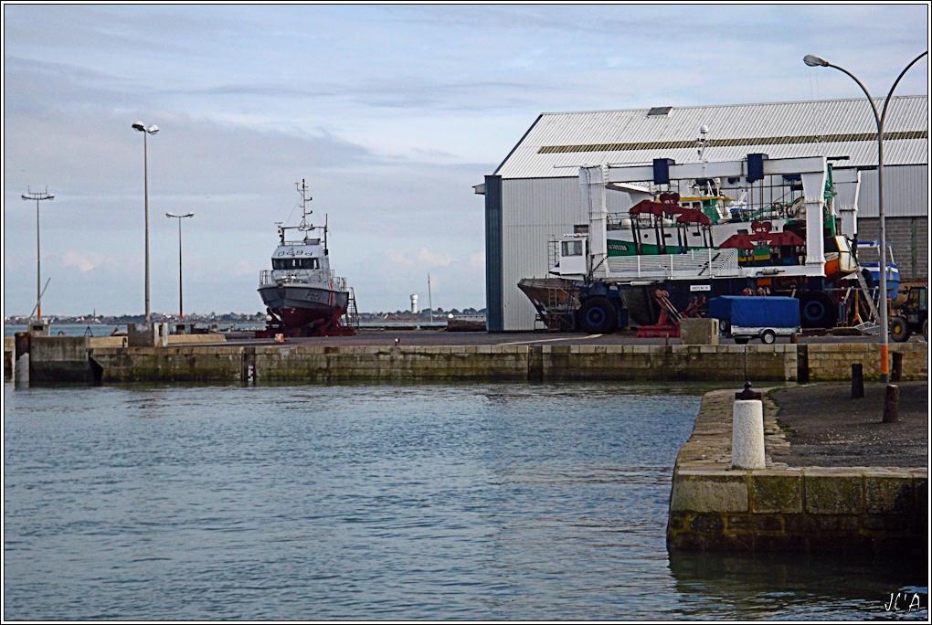 [Activité hors Marine des ports] LE CROISIC Port, Traict, Côte Sauvage... - Page 2 B02-G60013197%20P620%20Sevres%20au%20chantier%20naval