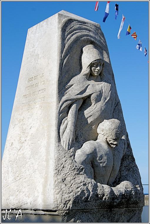[Histoires et Histoire] Monuments aux morts originaux Français Tome 1 - Page 6 Monument%20aux%20morts%20de%20Port%20Joinville%20A39915