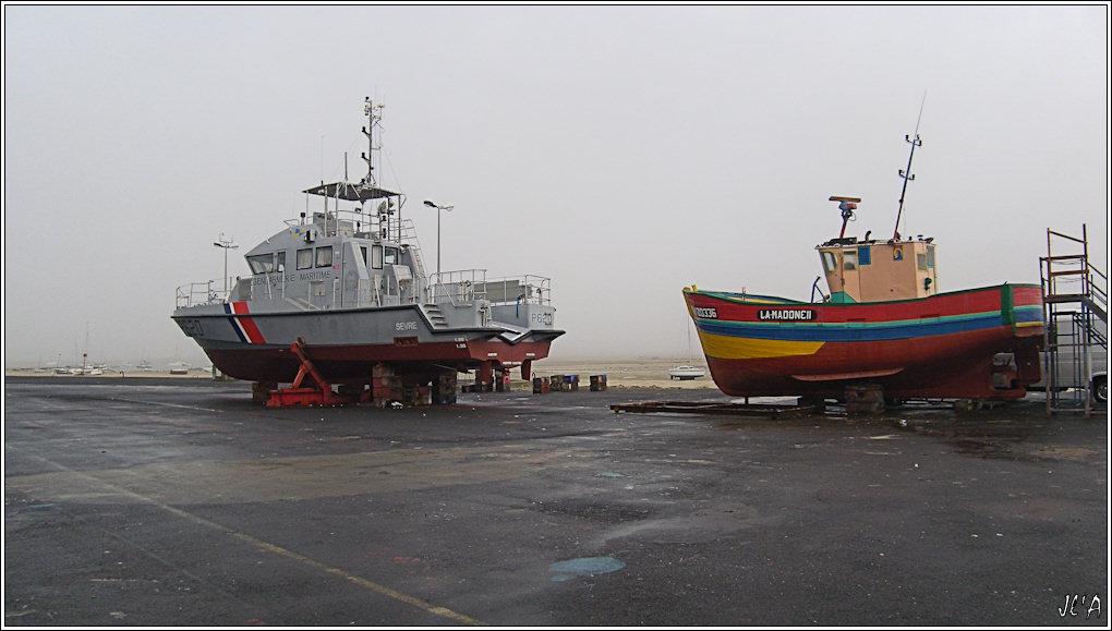[Activité hors Marine des ports] LE CROISIC Port, Traict, Côte Sauvage... - Page 2 B17-G60013229%20P620%20Sevres%20au%20chantier%20naval