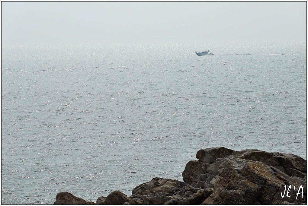 [Activité hors Marine des ports] LE CROISIC Port, Traict, Côte Sauvage... - Page 4 K26-42%20vedette%20civile%20vue%20de%20la%20cote%20sauvage%20S20V02109