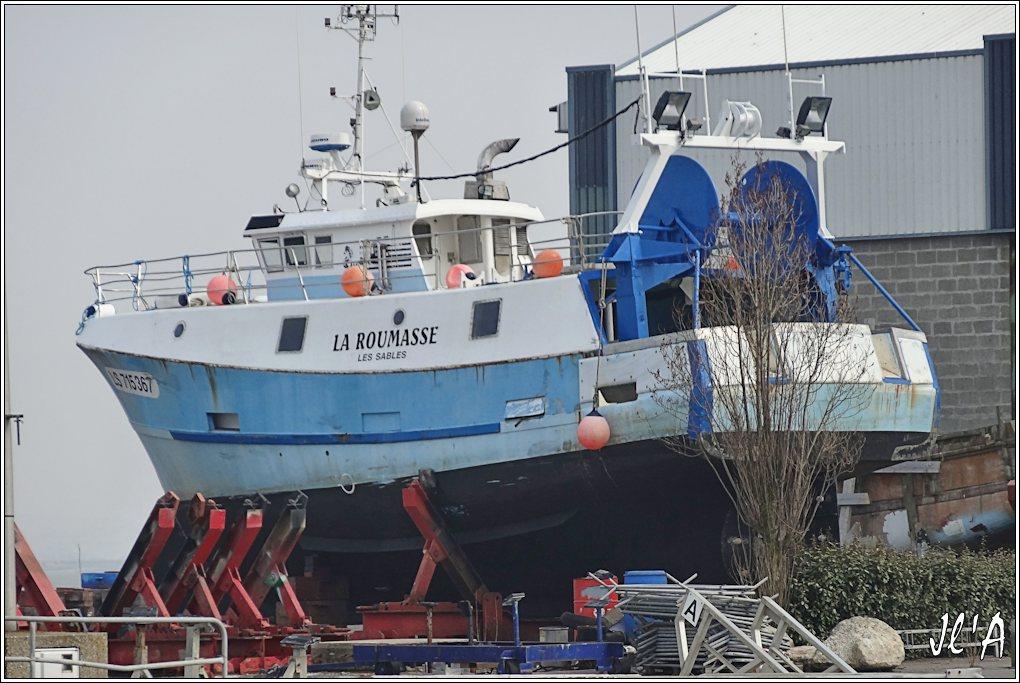 [Activité hors Marine des ports] LE CROISIC Port, Traict, Côte Sauvage... - Page 4 K08-28%20chantier%20naval%20croisicais%20chalutier%20La%20Roumasse%20des%20Sables%20S20V02104