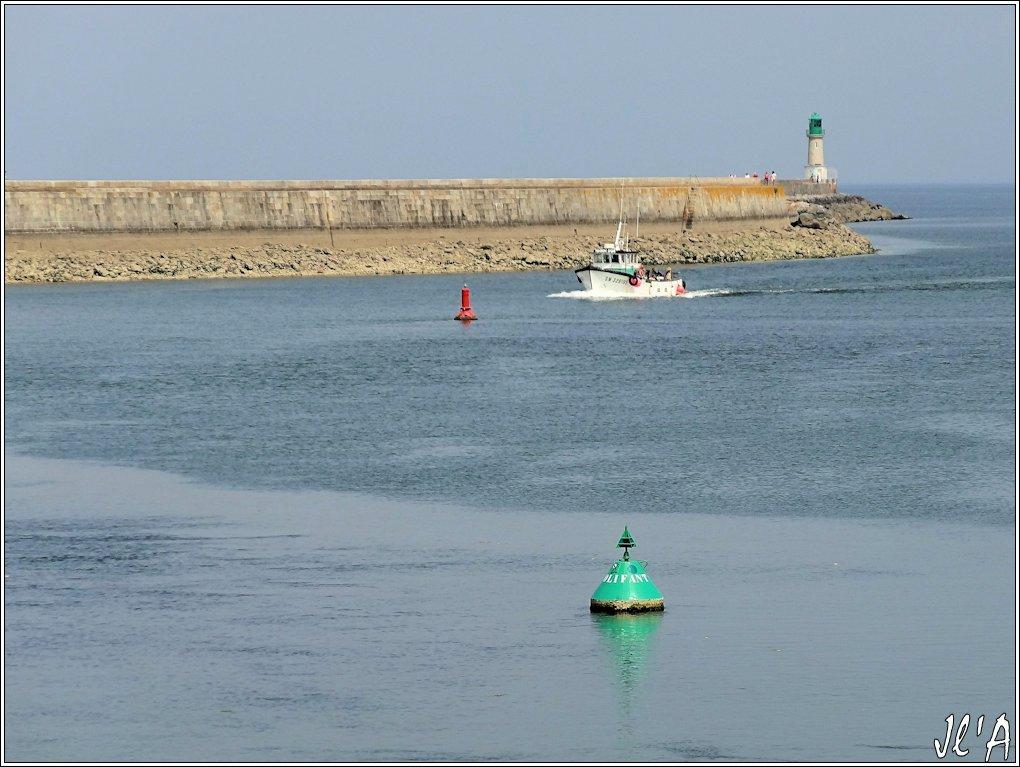 [Activité hors Marine des ports] LE CROISIC Port, Traict, Côte Sauvage... - Page 4 N-08%20entr%C3%A9e%20de%20Toison%20d%27Or%20S20V02538