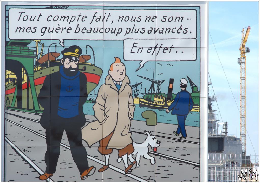 [Vie des ports] Port de Saint Nazaire - Page 2 85%20Tintin%20et%20Cap%20Haddock%207%20boules%20de%20cristal%20_A04508